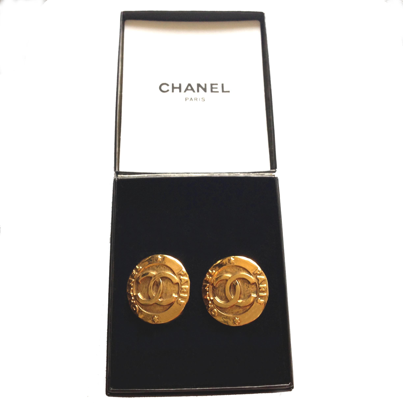 Vintage chanel gold tone medallion clip on cc logo - Vintage chanel ...